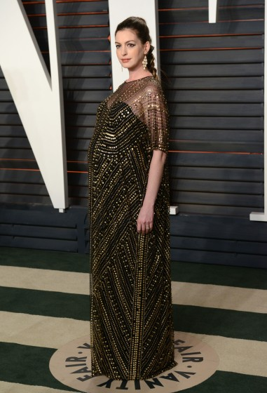 51983316 Celebrities attend the 2016 Vanity Fair Oscar Party hosted By Graydon Carter at Wallis Annenberg Center for the Performing Arts on February 28, 2016 in Beverly Hills, California. Celebrities attend the 2016 Vanity Fair Oscar Party hosted By Graydon Carter at Wallis Annenberg Center for the Performing Arts on February 28, 2016 in Beverly Hills, California. Pictured: Anne Hathaway FameFlynet, Inc - Beverly Hills, CA, USA - +1 (310) 505-9876 RESTRICTIONS APPLY: NO FRANCE