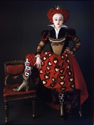 alice_in_wonderland_helena_bonham_carter_as_the_red_queen_tim_burton
