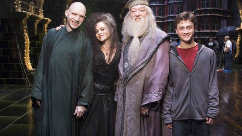 Behind-The-Scenes---Harry-Potter-and-the-Order-of-the-Phoenix-(Ralph-Fiennes-Helena-Bonham-Carter-Daniel-Radcliffe-Michael-Gambon)-1