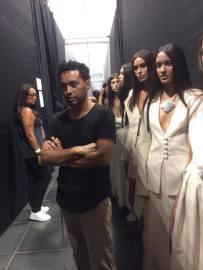 Omar Valladolid y su colección